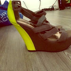 Wedge shoes size 8